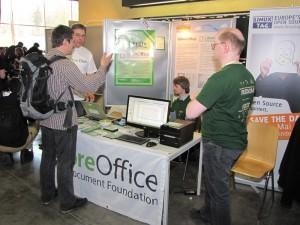 Am Stand von LibreOffice - Chemnitzer Linuxtage 2011